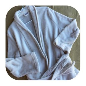 Ultra L/XL mid calf Robe (never used)